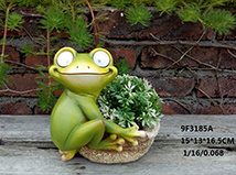 Garden Decoration Animal Hand Painted Resin Frog With Solar Lights On Eyes  And Planter
