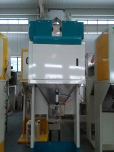 Sweet Rice Weighing Bagging Machine with Conveyor Belt pictures & photos