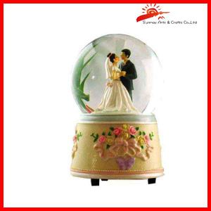 Wedding Snow Globe Of Wedding Favor