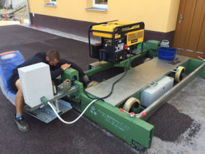 Paver Machine with Generator System for Running Track pictures & photos