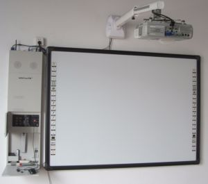 Interactive Whiteboard Smartboard and Projector for Digital School pictures & photos