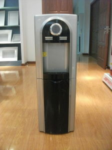 Standing Compressor Cooling Water Dispenser (XJM-AG01) pictures & photos