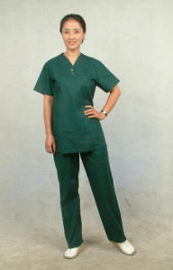 Custom Fashionable Disposable Uniform Medical Nurse Scrub Suits Suit for Women Men Fabric Designs Manila Hospital Wholesale Medical Uniforms pictures & photos