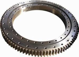 Forged Mechanical Gear Ring / Roller Slewing Ring for Turntable. pictures & photos
