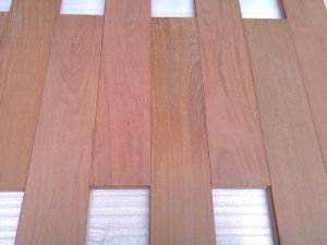 China Cl Luxury Unfinished Santos Mahogany Solid Wood Flooring