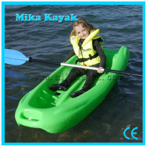 Cheap Plastic Whitewater Kayak Kids Paddle Boat for Sale pictures & photos