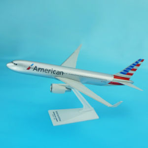 Hot Sale B767-300 Plastic Desktop Airplane Model pictures & photos