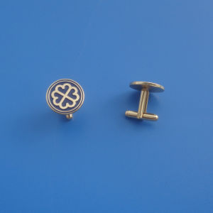 Gold Flower Design Metal Cufflinks for Father′s Day pictures & photos