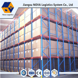 Heavy Duty Pallet Racking - Drive Through Racking pictures & photos
