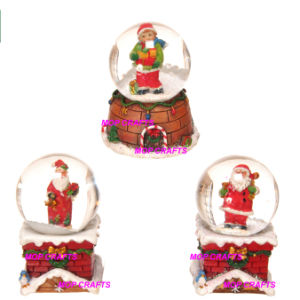 Polyresin Christmas Gifts in Santa Claus Snow Globe Crafts pictures & photos