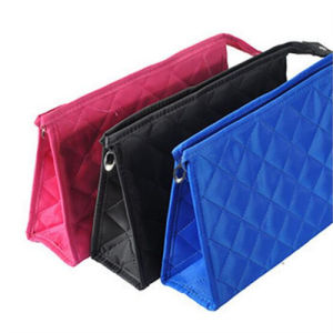 Korean Style Fashion Portable Wash Bag Lattice Cosmetic Bag (GB#7483) pictures & photos