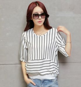 Women′s Big Size Striped Breathable Linen T-Shirt pictures & photos