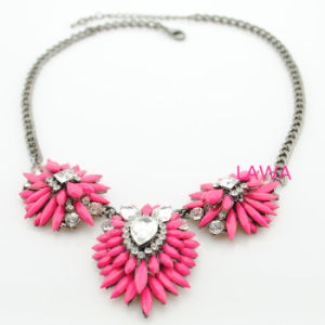Lady ′s Popular Alloy Inlay Resin Beads Necklace Sweet Girl Pendants Necklace Aw248