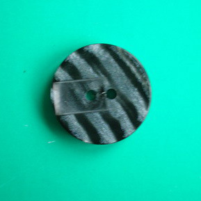 2 Holes Fashion Polyester Button (S-013) pictures & photos