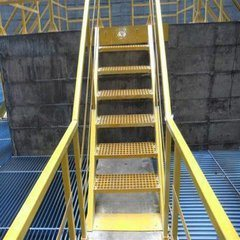 Fiberglass Ladders, GRP/FRP Gritted Ladders pictures & photos