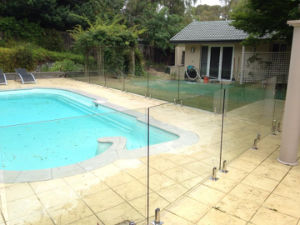 Modern Frameless Glass Pool Fence with Tempered Glass Fence pictures & photos