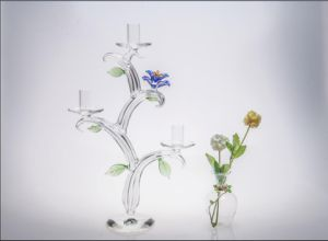 Three Poster Clear Glass Candle Holder for Wedding Decoration with Color Glass Flower pictures & photos