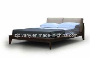 Italian Modern Style Wood Leather Double Bed (A-B39) pictures & photos