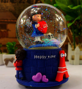 Polyresin Water Globe Snowglobe for Wedding Gift