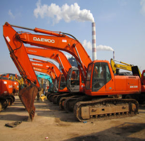 Used Daewoo Hydrsulic Excavator Dh300LC pictures & photos