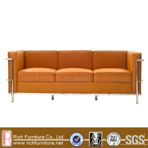 Replica Stainless Frame Leather Modern Office Sofa (LC3) pictures & photos