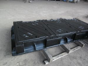 Cast Iron Square Frame with Triangular Type Manhole Covers