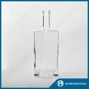 700ml Glassware Glass Wine Bottle (HJ-GYSN-A05) pictures & photos
