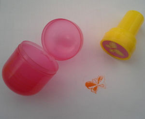 Plastic Capsue with Toy Stamp or Candy for Vending Machine