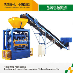 Dongyue Qt4-24 Hot Selling Brick Moulding Machine in Zimbabwe pictures & photos