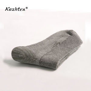 Men′s Hiking, Climbing, Outdoor Sports Socks with Silver Fiber pictures & photos