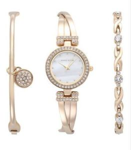 Latest Lady Watch Set/Gift Watch Set pictures & photos