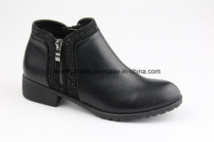 Rhinestone Decorated Fashion Winter Lady Ankle Boots pictures & photos