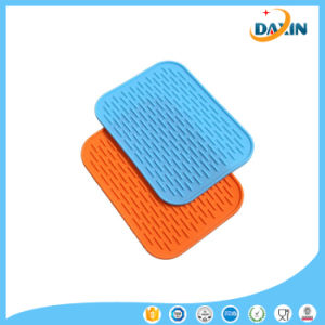 1 PCS Random Color Kitchen Tableware Heat Silicone Insulation Pad pictures & photos