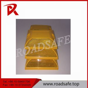 Double Side Bright Reflector Plastic Road Marking Raivse Stud pictures & photos