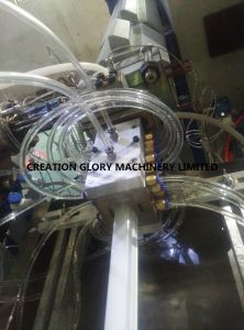 Competitive Matured Technology PC Light Tube Plastic Extruding Machine