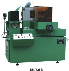 Linear Cutting Machine (DK7725)