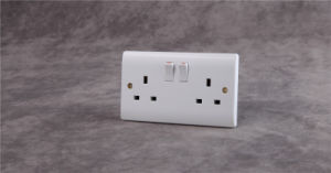 British 13A Wall Light Control Socket with 2 Gang Switch pictures & photos