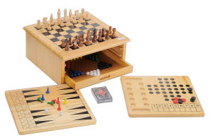 Wooden Chess Game 7 in 1 Chessboard Toys (CB2258) pictures & photos