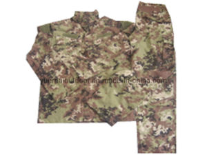 Military and Combat Acu Uniforms in Vegetato Camo pictures & photos