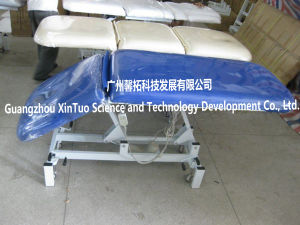 Three Section Electric Adjustable Medical Exam Table pictures & photos