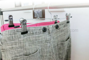 Metal Trousers Pants Skirt Clothes Hanger with Non Slip Clips pictures & photos