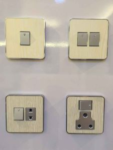 2015 New Design Pakistan Series Wall Switch Socket pictures & photos
