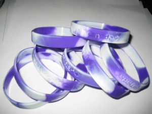 Hand Bracelet Silicone Wristband Rubber Bracelet pictures & photos