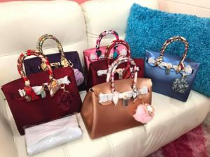 Customized Colors Candy Jelly Beachkin Handbags with Twilly Scarf (XP1067) pictures & photos