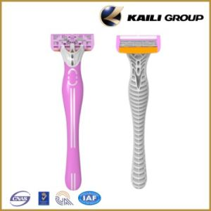 Triple Blades with Beautiful Handle Razor pictures & photos