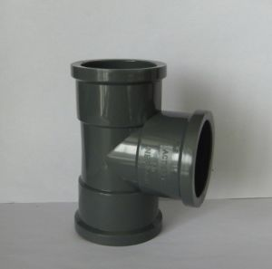 PVC Tee (Plastic Pipe Fitting)