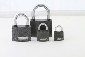 Cheap Plastic Powder spray Painted Iron Padlock pictures & photos