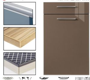 Lacqure Kitchen Cabinet Doors with Handles (customized) pictures & photos