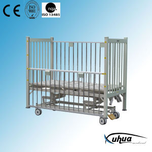 Pediatric Bed, Three Cranks Manual Hospital Child Bed (D-12) pictures & photos
