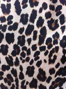 100% Polyester Satin Chiffon Leopard Print Chiffon Dress Fabric or Scarf Fabric pictures & photos